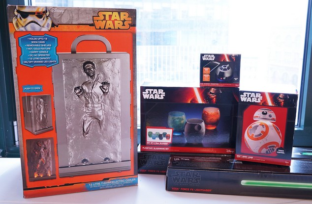Engadget giveaway Win a 'Star Wars' prize pack courtesy of ThinkGeek