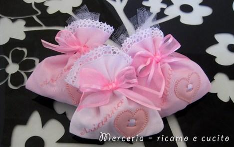 Sacchettini bomboniere portaconfetti con cuore per Arianna