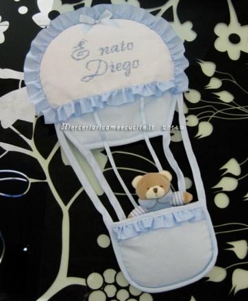 """Fiocco nascita mongolfiera celeste """"E' nato Diego"""""""