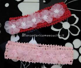 Fasce per capelli all'uncinetto rosa e rossa con fiori