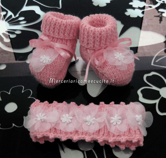 Scarpette e fascia per capelli in lana per neonata