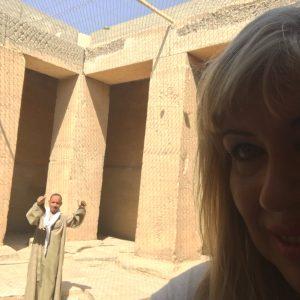 Dans la cour aux piliers du mastaba de Ti par Gigal