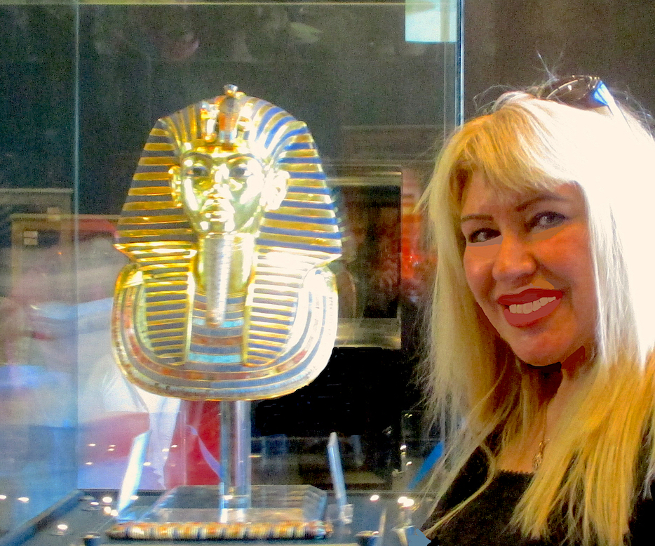 gigal_with_Toutankhamon