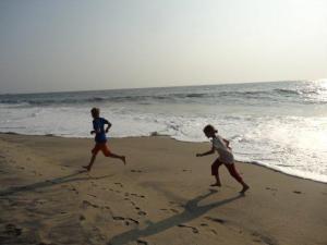 Tja, wenn alles zu ist... kein Tucktuck fährt... wir marschierten die 4km zum Strand, ca 1km dem Strand entlang und natürlich wieder 4km zurück... es gab ja keine Taxis...