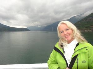 Auf der Fähre, es braucht jeweils viel Zeit um einen Fjord zu umfahren...