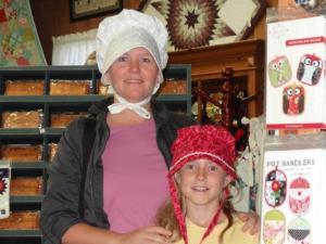Julia hätte so gerne so einen Hut gehabt.., aber irgend wie leben wir doch in einer anderen Welt...