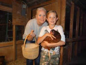 Julia plant schon ihr Hühnerhaus...