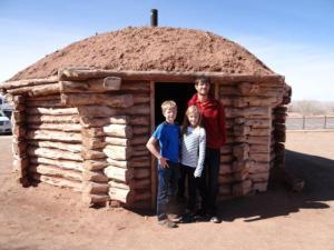 In solchen Hütten lebten viele...