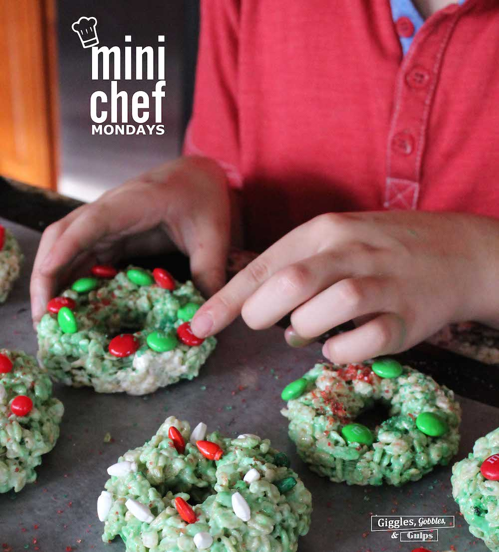 rice krispie christmas wreaths6 oh what fun its time for mini chef mondays - Rice Krispie Christmas