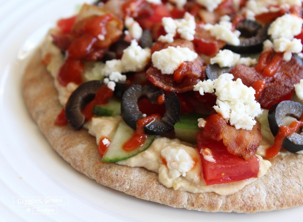hummus pita pizza