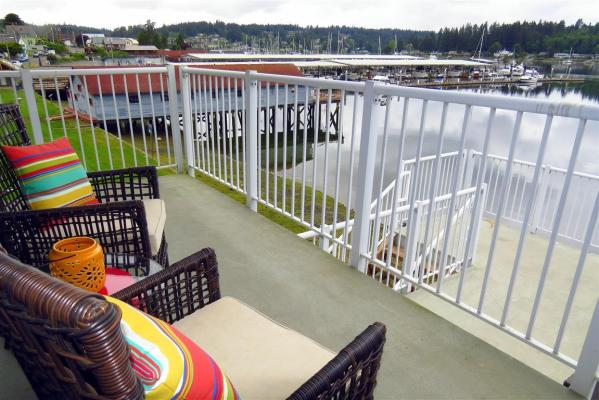The Guesthouse deck