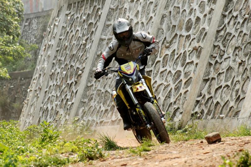 https://i2.wp.com/gilamotor.com/wp-content/uploads/2011/11/Suzuki-Satria-Supermoto-3.JPG
