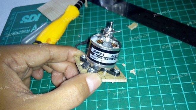 Cara-Memasang-Motor-Brushless-Pada-Pesawat-RC-Gabus-2.jpg
