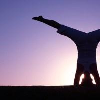 Benefícios do Yoga | Invertidas: Por que ficar de cabeça para baixo?