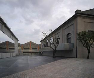 03-OMA-.-Fondazione-Prada-.-Milan-05-Fondazione-Prada_Photo-Bas-Princen-Copie