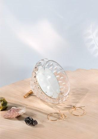 mirror-horizontal