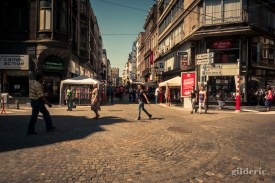 Shopping sous le soleil (à Liège) - Photo : Gilderic