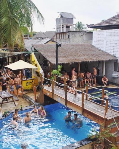 Pool party in Gili Castle - Gili Backpacking