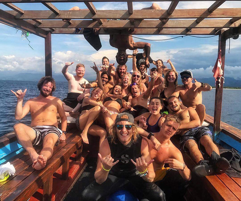 Life on Gili Divers dive boat