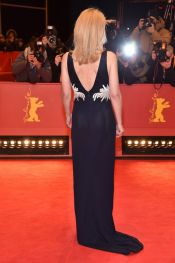 gillian-anderson-at-viceroy-s-house-premiere-in-berlin_6