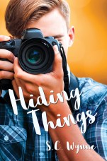 03bree-archer-mm-romance-cover-art-hiding-things