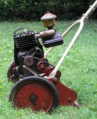 Reel lawnmower