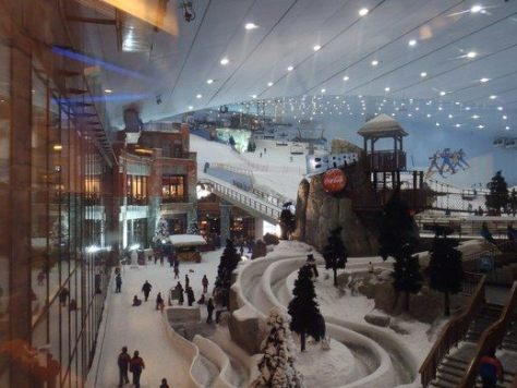 Indoor ski resort in Dubai