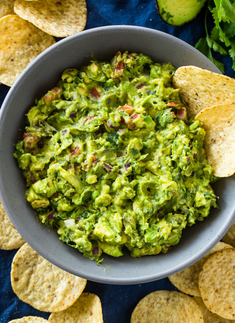 The Best Chunky Guacamole