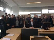 Zajednička fotografija s učenicima Drvodjeljske škole i sudcem Matom Kukavicom