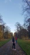 Hyde Park. Površinom od 140 ha najveći je među kraljevskim parkovima. Utemeljio ga je kralj Henry VIII. 1536. U parku se održavaju koncerti, a neki od najpoznatijih izvođača su: The Rolling Stones, Queen, Madonna itd.