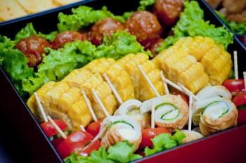 運動会のお弁当は華やかに盛り付けたい!重箱を利用する時のコツは?