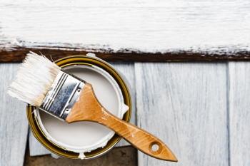 ペンキの残りに塗料を固める粉!?少量に分割すれば不燃ごみで出せる!?