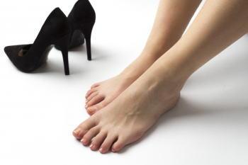 靴を履くと小指の爪が痛い!原因は?足と靴のサイズが合っていないの?