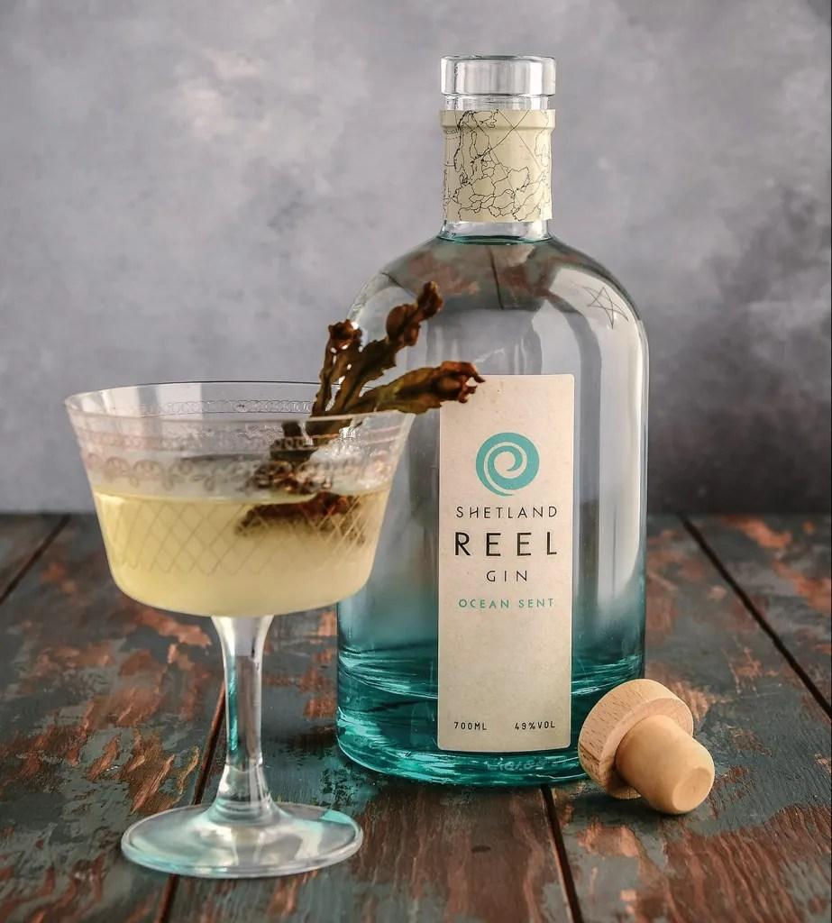Shetland Reel Gin serve