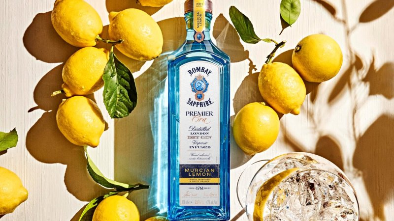 Bombay Sapphire Premier Cru Murcian Lemon with Gin and Tonic