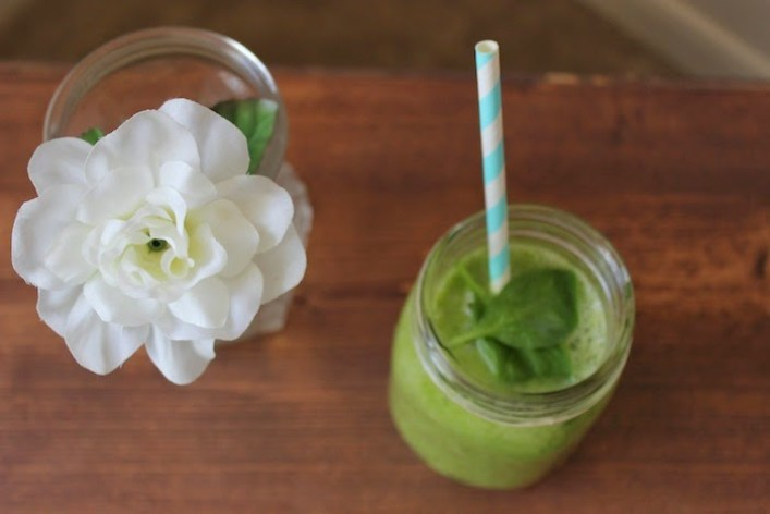 Simple Green Tropical Smoothie Recipe