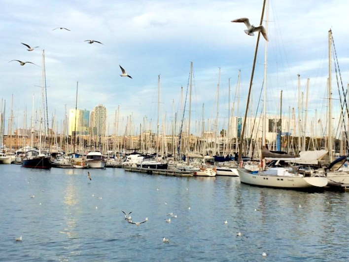 Boats in Barcelona: Traveling on Your Own