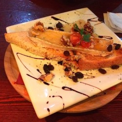 6 Best Restaurants & Tapas in Sevilla, Spain