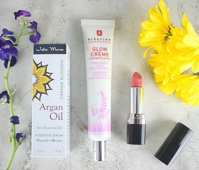 Monthly Beauty Favorites (fine liner eraser, unicorn illuminator and the perfect neutral lipstrick)