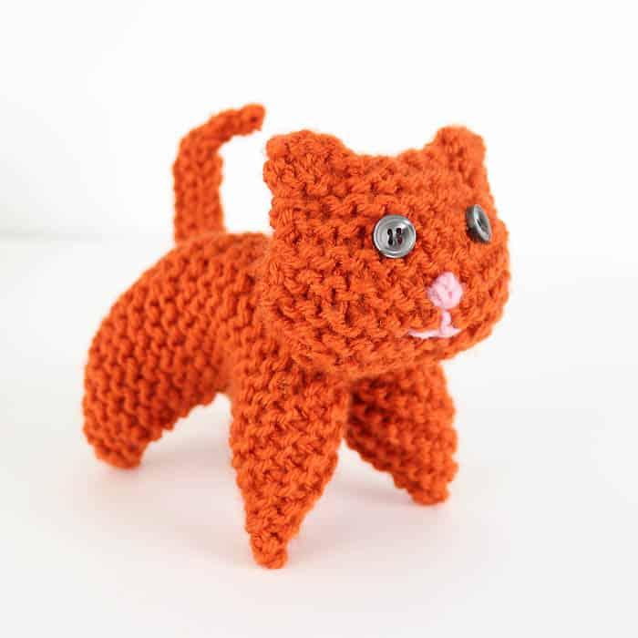 EASY Plush Cat Knitting Pattern - Gina Michele