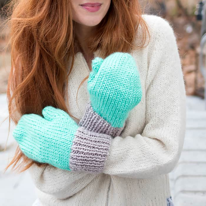 Flat Knit Women's Mittens Free Knitting Pattern