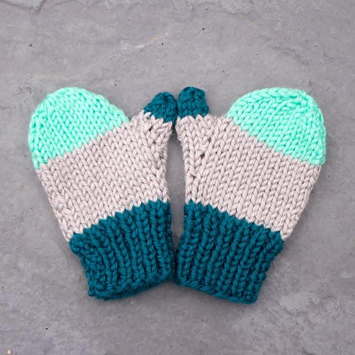 Flat Knit Kids Mittens Free Knitting Pattern