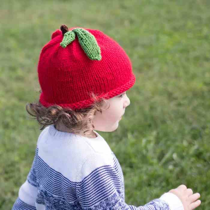 Apple Hat Knitting Pattern