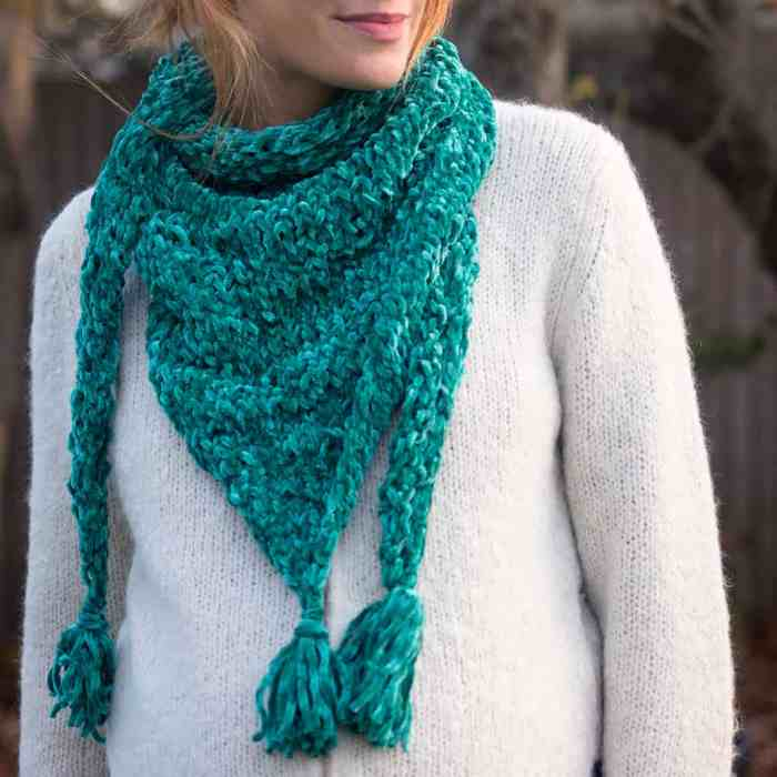Easy Triangle Scarf Knitting Pattern