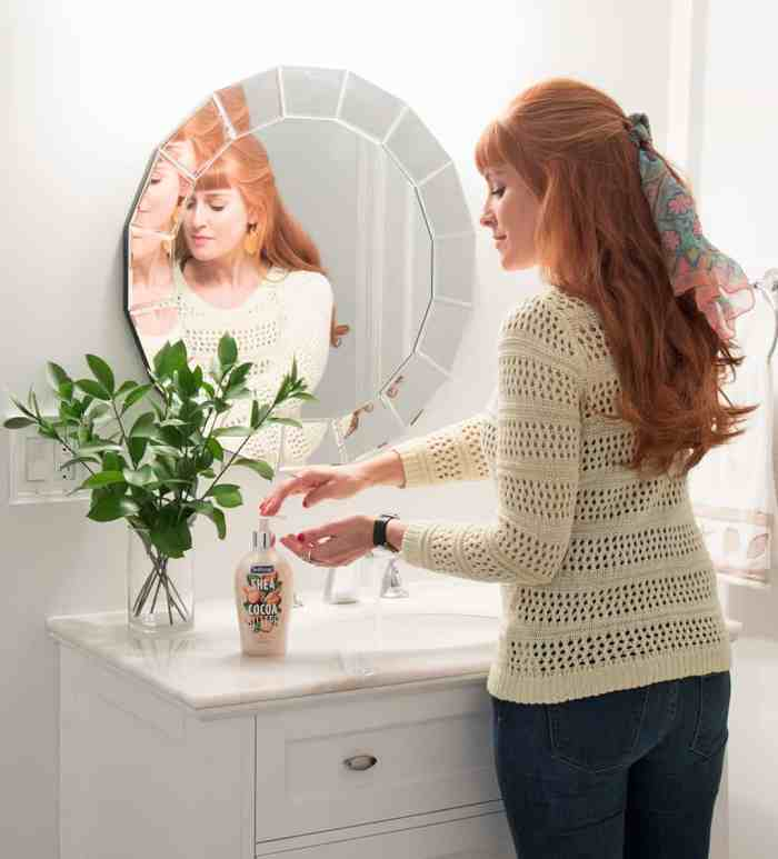 Minimizing Bathroom Clutter & Creating a Space that Sparks Joy