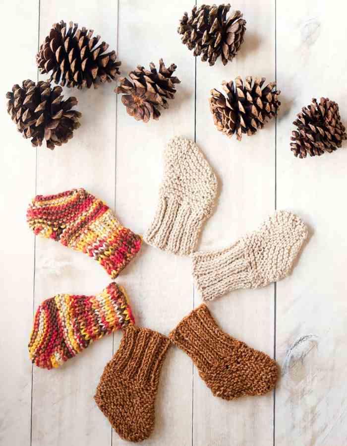 Easy Baby Socks Knitting Pattern
