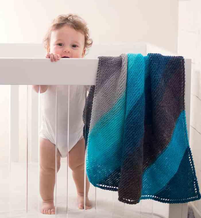 Beginner Hooded Baby Blanket Knitting Pattern