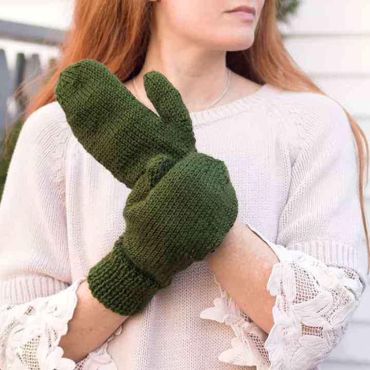Easy Straight Needle Mittens Knitting Pattern