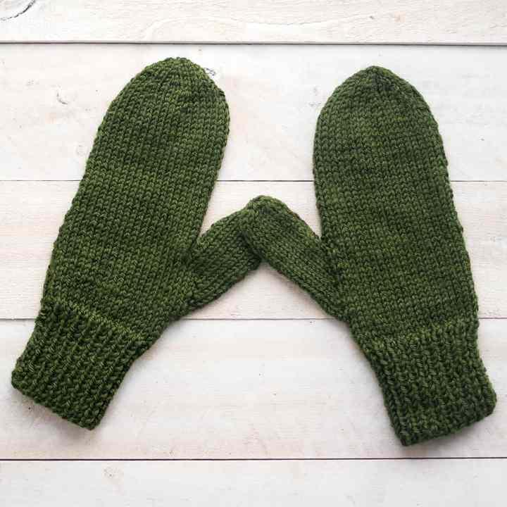 Easy Straight Needle Mittens Knitting Pattern