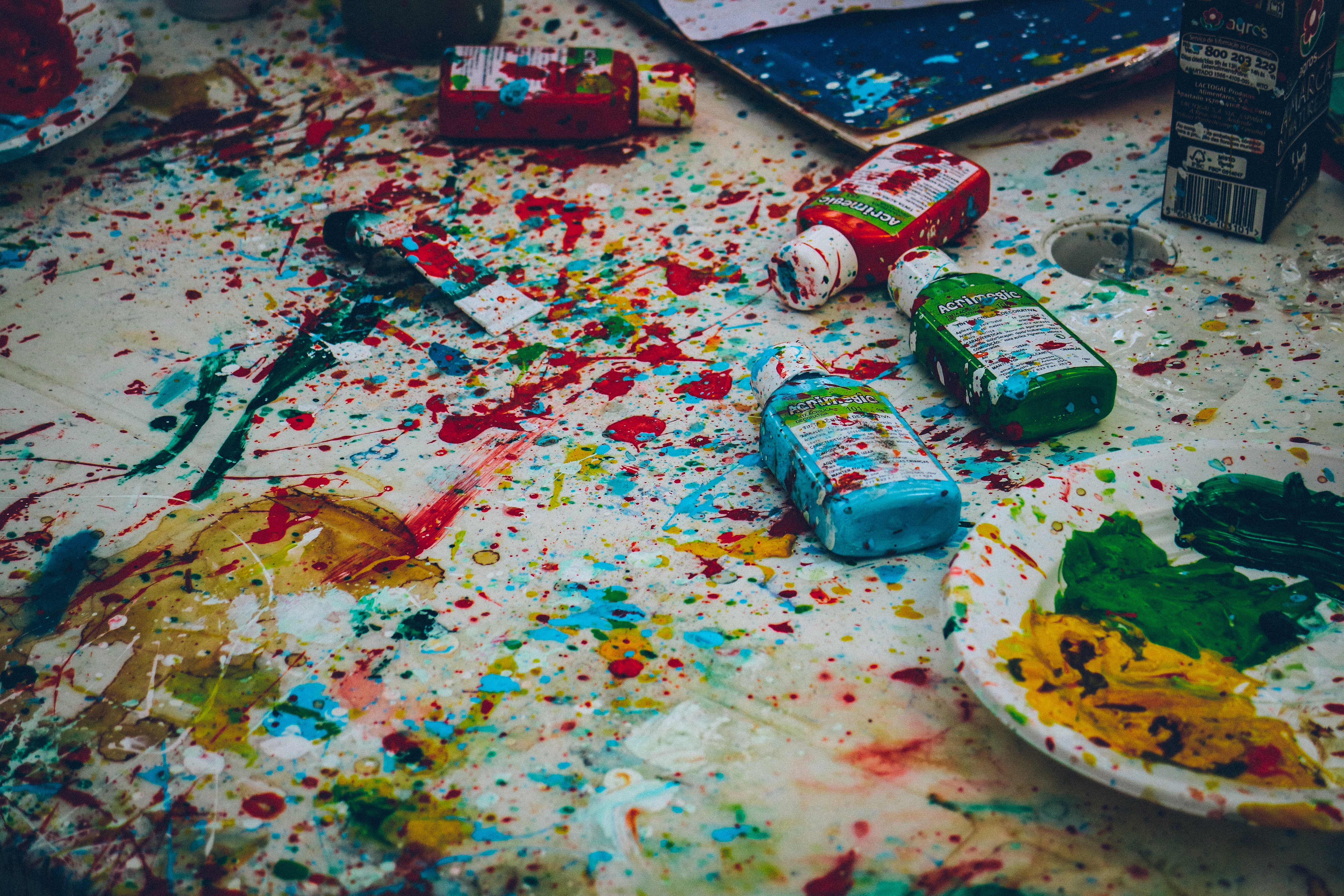 Splattered paint by Ricardo Viana on Unsplash